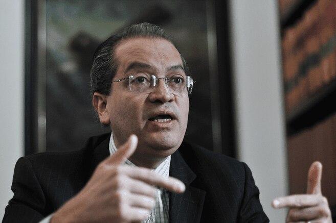 Procuraduria pide dialogo entre Minsalud y juez que ordeno prueba PCR a viajeros