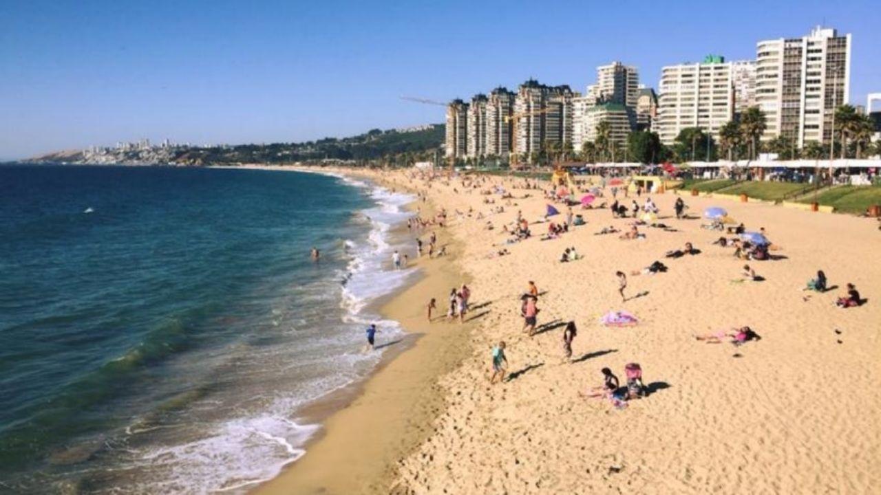 Chile y las vacaciones sumergidas en un nuevo pico de contagios