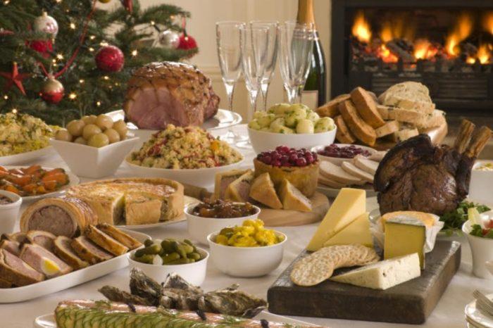 La mejor manera de 'sobrevivir' a la Navidad es controlar el alcohol, los postres y las cantidades