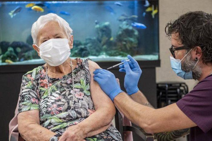 Las comunidades recibiran cada lunes nuevos lotes con las vacunas de Pfizer