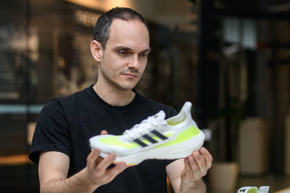 """El sneaker como medio de expresion"" Moritz Hoellmuller"