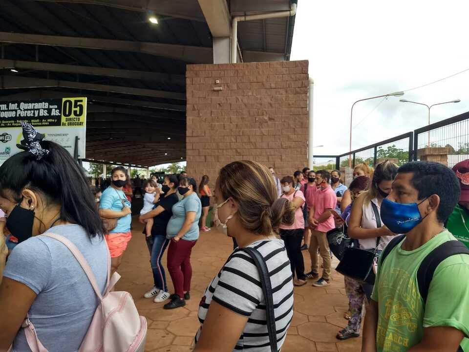 Transporte publico en Posadas: entre el cumplimiento de los protocolos y la aglomeracion en horarios picos