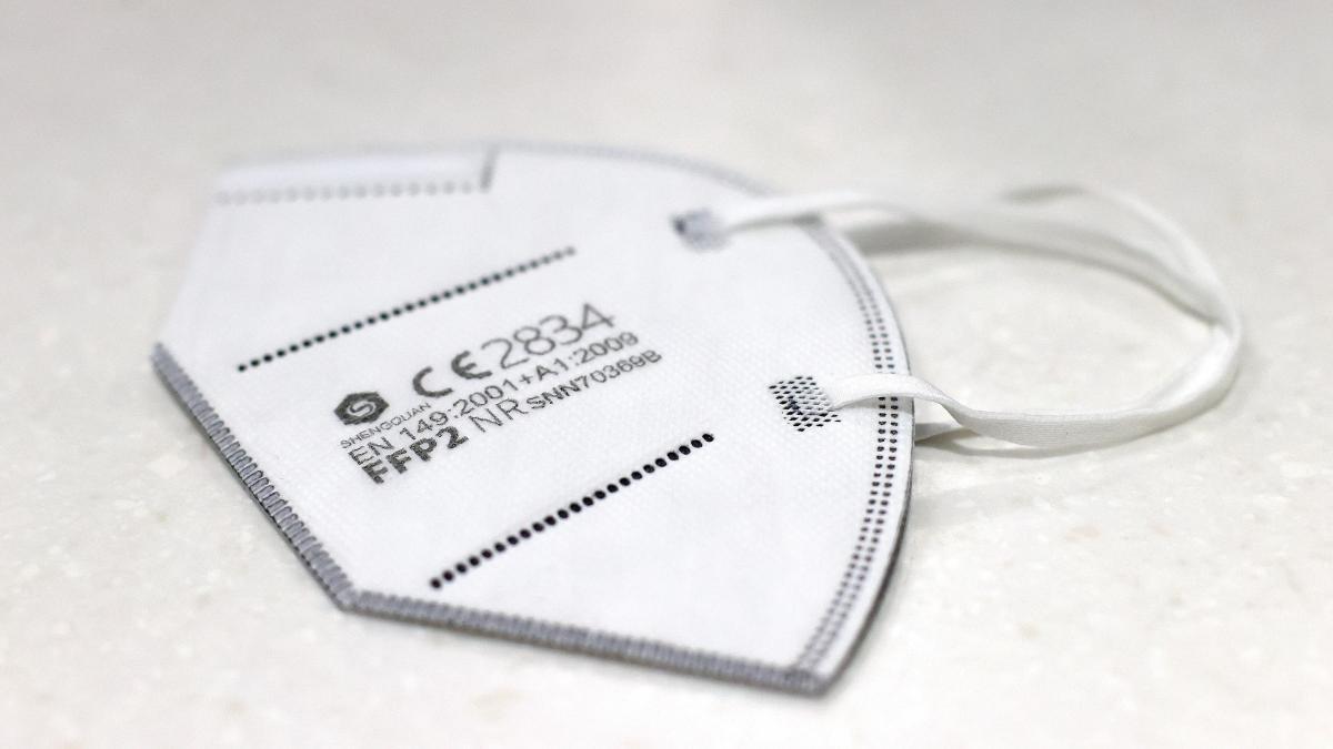 Las mascarillas FFP2 ya son obligatorias en varios paises: por que mejoran a las quirurgicas y que precio tienen