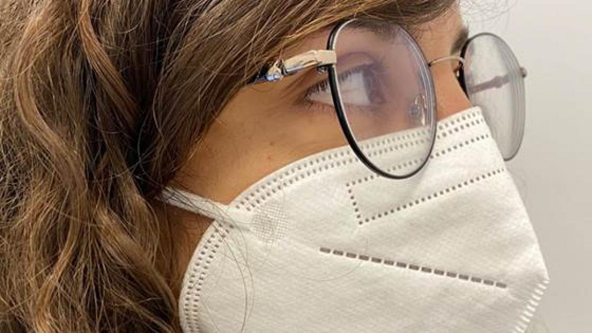 Como ponerse las mascarillas FFP2 para que sean efectivas, segun un experto de Harvard