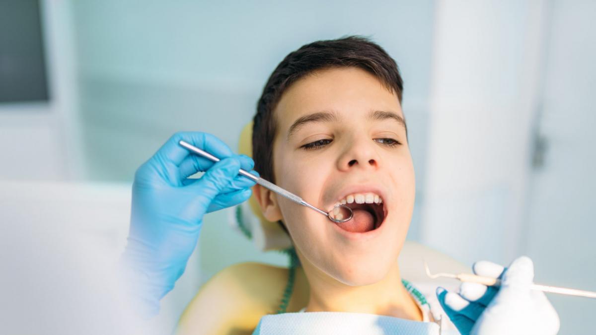 Caries en dientes de leche, ¿por que se producen y como proceder?