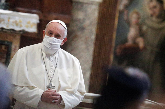 El papa Francisco anuncio que se vacunara contra el coronavirus la semana proxima