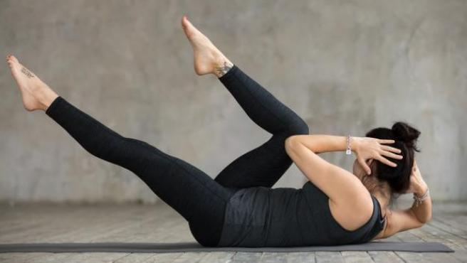 Cuantos abdominales conviene hacer al dia para lograr un vientre plano y como hacerlos en casa correctamente