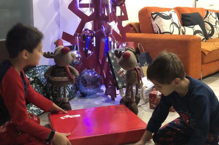 Como gestionar el exceso de regalos a los niños tras la visita de Papa Noel y los Reyes Magos