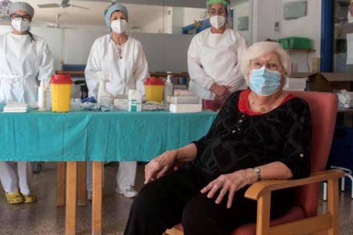 Fracaso de la primera semana de vacunacion en España