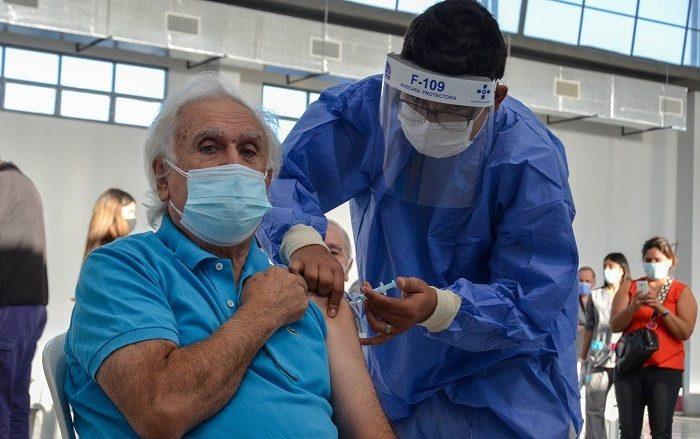 El testimonio de los adultos mayores tras recibir la vacuna