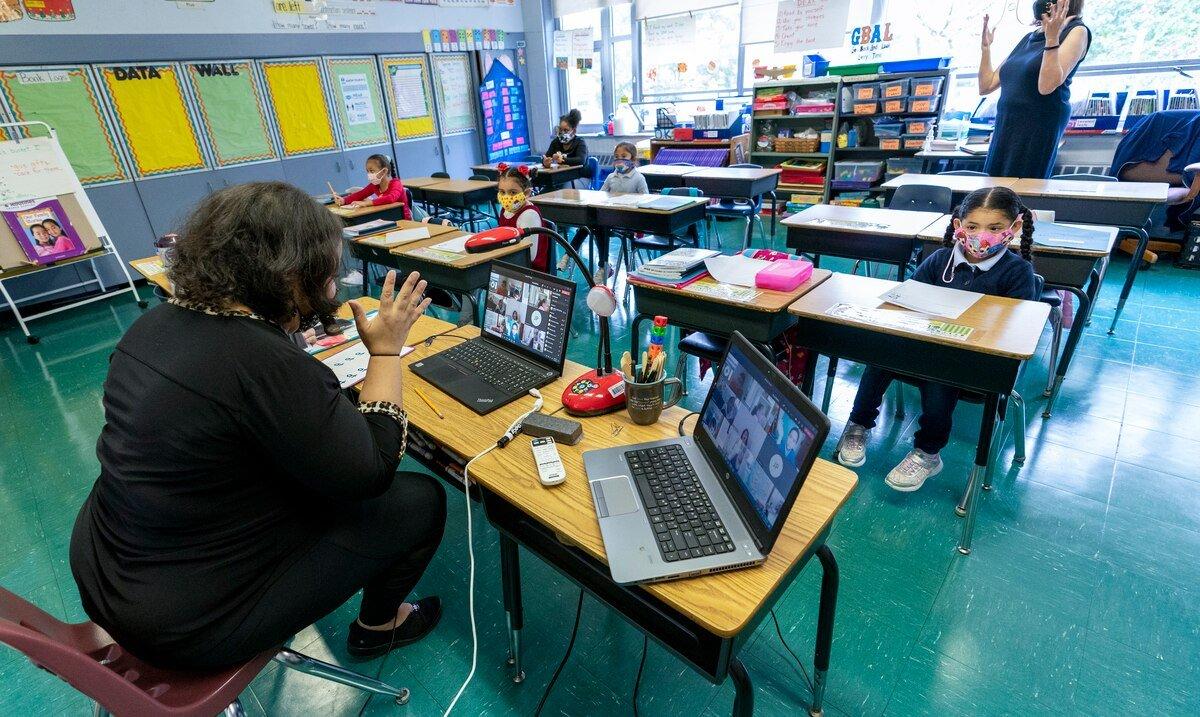 La Casa Blanca dejara en manos de los CDC la decision de cuando y como reabrir las escuelas