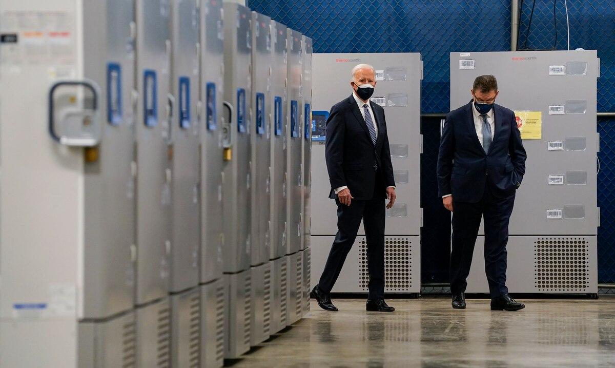 Equipo de Biden fija meta aun mas ambiciosa para vacunacion
