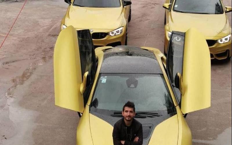 Vendio sus autos de lujo para comprar tanques de oxigeno a los enfermos de coronavirus