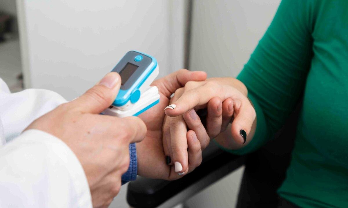 La FDA advierte sobre limitaciones y fallas de los oximetros de pulso