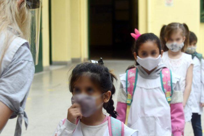 Clases presenciales: docentes reportan 38 casos de coronavirus en escuelas porteñas desde la vuelta al trabajo