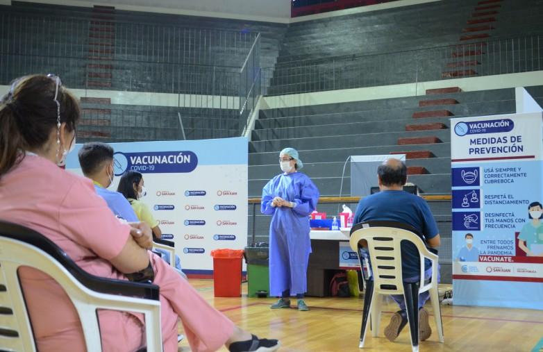 Salud Publica suma nuevos grupos para recibir la vacuna Sputnik V
