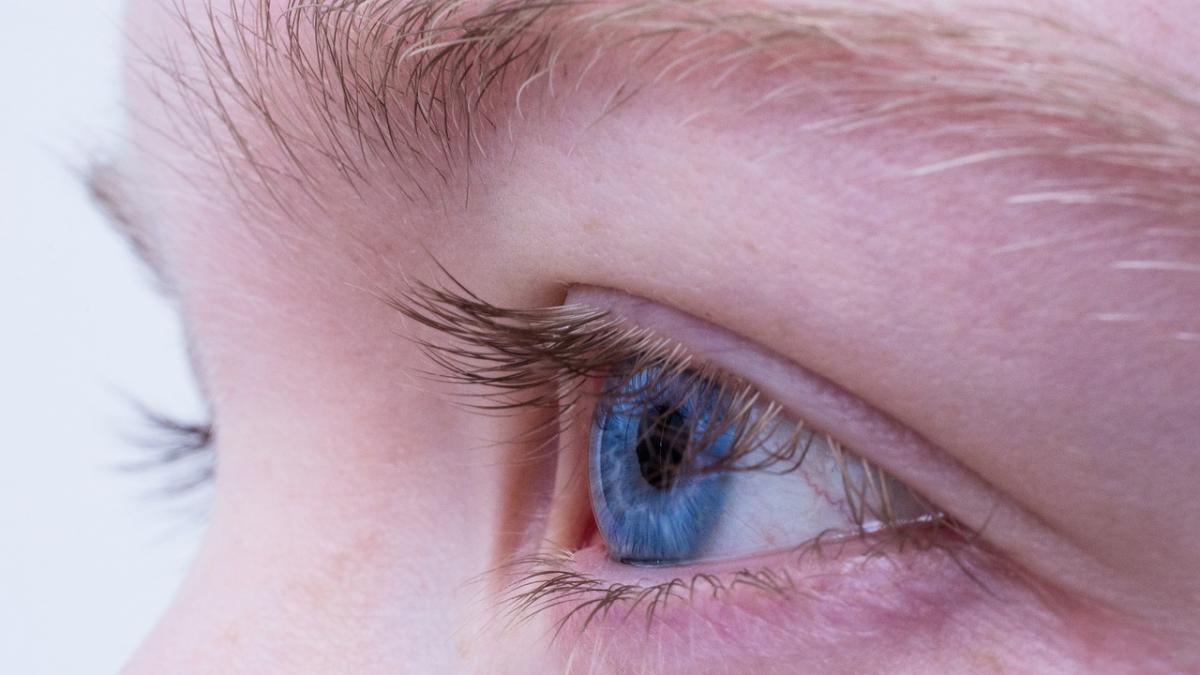 ¿Sufres de miopia, presbicia o vista cansada? Tres minutos de gimnasia visual al dia pueden ayudarte