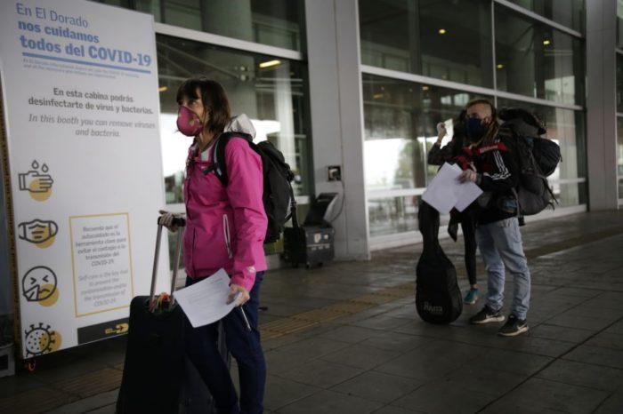 Gobierno mantiene restriccion de vuelos provenientes de Brasil y Leticia