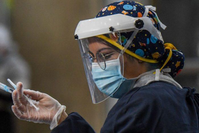 Supersalud investiga 66 casos de colados en el plan de vacunacion nacional