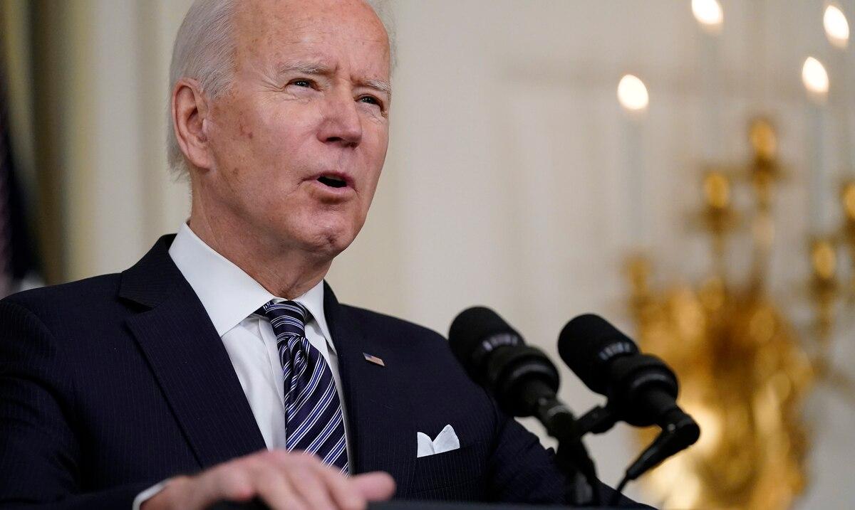 Joe Biden critica a las personas que no se ponen la vacuna contra el COVID-19