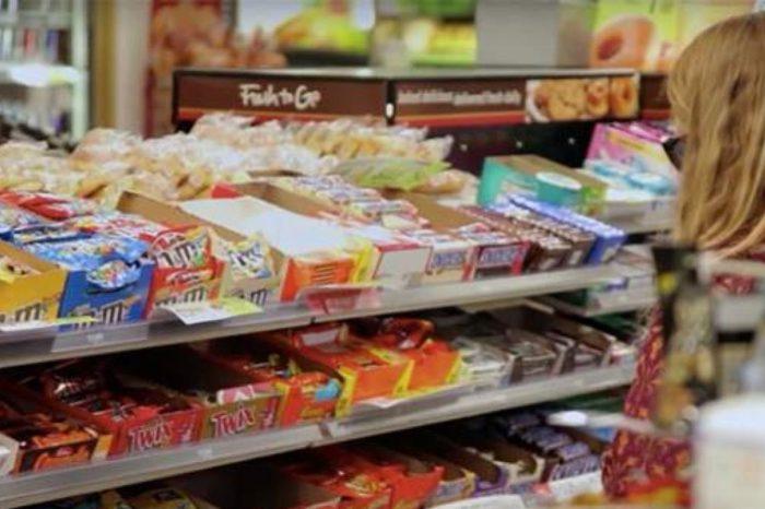Consumir alimentos ultraprocesados aumenta el riesgo de cancer de colon