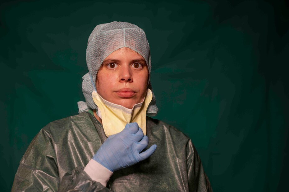 Claudia Accardo, parte del personal de transporte de emergencia del COVID 3 Spoke Casalpalocco Clinic en Roma.