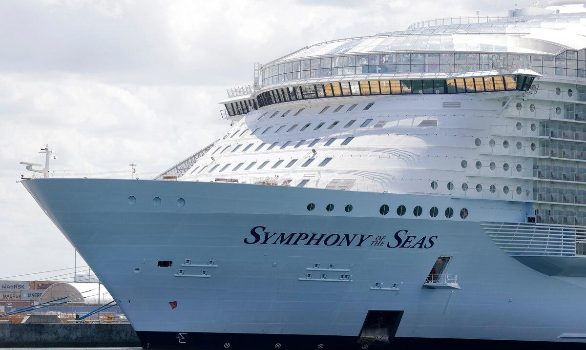 Ron DeSantis amenaza con demandar al gobierno federal si no permite que cruceros utilicen los puertos