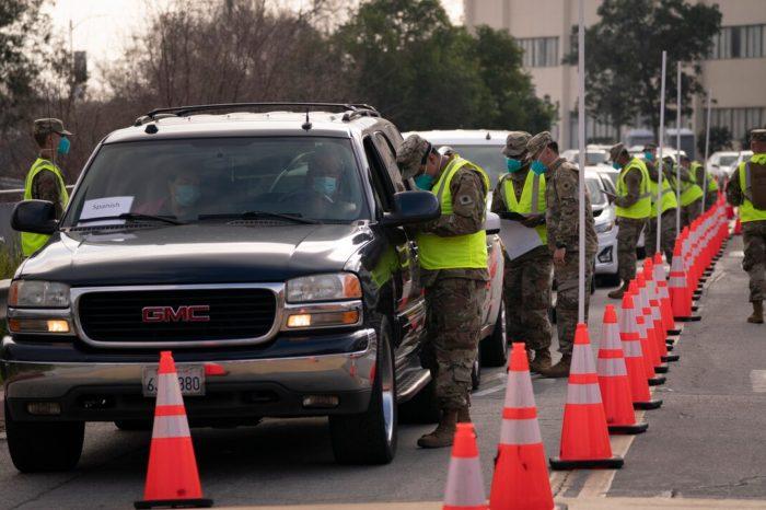 Estados Unidos suma 2,608 nuevas muertes por la covid-19