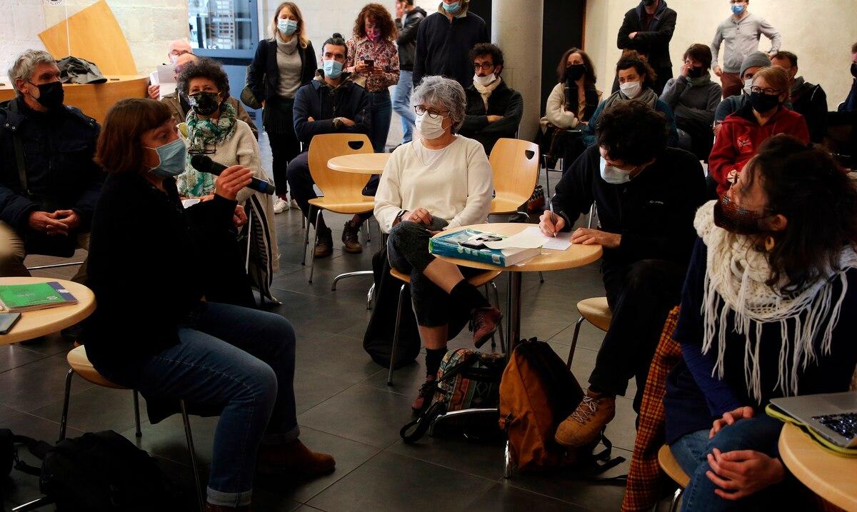 Francia endurece los criterios para cerrar clases en las escuelas ante casos positivos de COVID-19