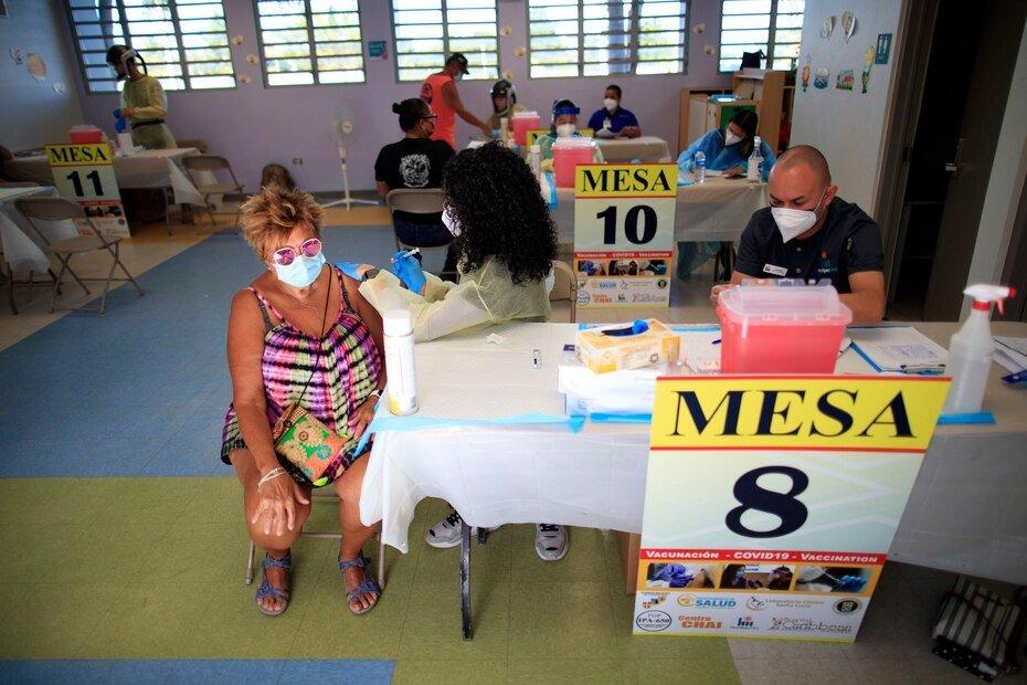 En el caso de la isla municipio de Culebra, la Guardia Nacional logro vacunar a un 86% de la poblacion habil para recibir la vacuna, por lo que sobrepasaron el 70% recomendado por las autoridades.