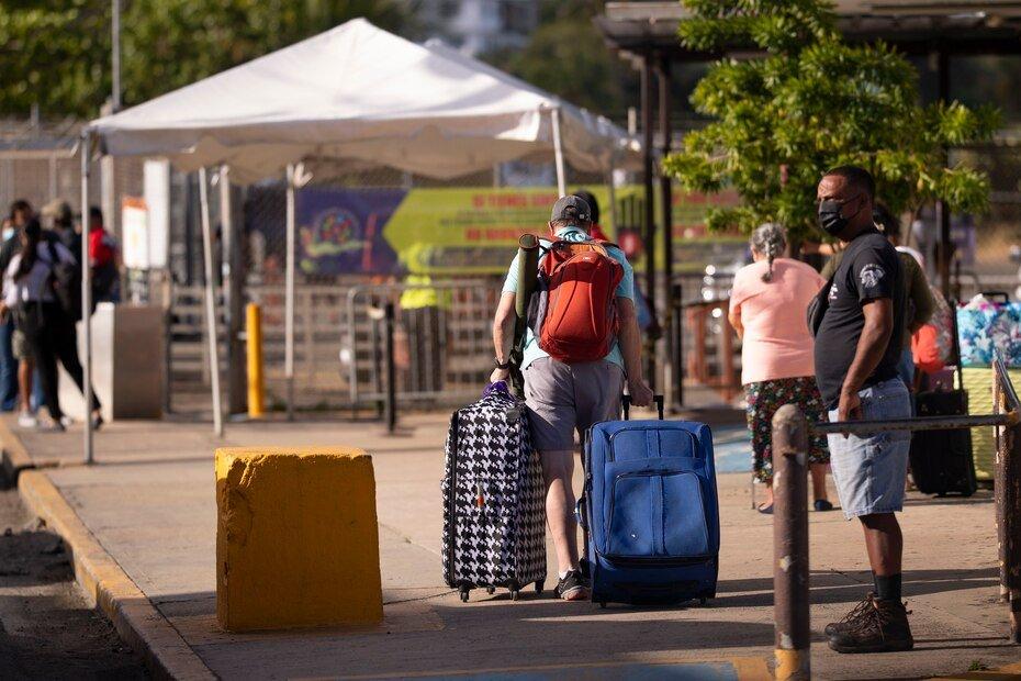 Fueron varios los turistas que realizaron el viaje para disfrutar de las playas y otras amenidades de Vieques.