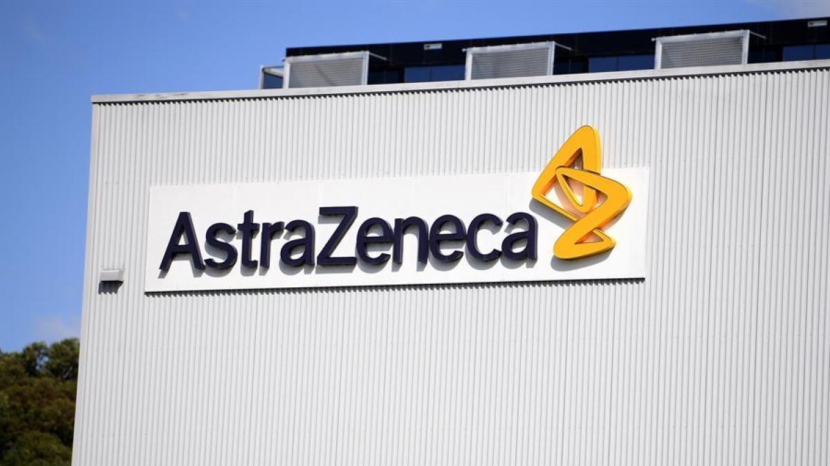 AstraZeneca defiende que las vacunas de Italia no fueron producidas en la UE y que parte de ellas son para los 27