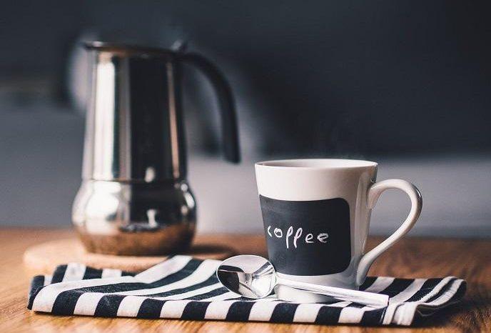 Beber mas de seis tazas de cafe al dia pone en riesgo la salud cardiovascular