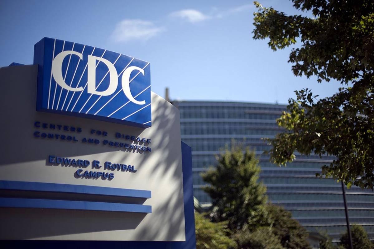 CDC reduce a tres pies distancia que deben mantener estudiantes en salon de clases