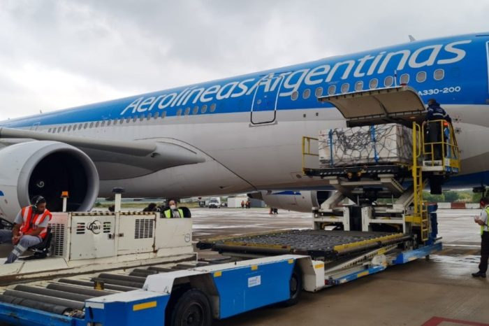 Coronavirus: partio hacia Buenos Aires el decimo vuelo de Aerolineas que traera mas dosis de vacunas Sputnik V
