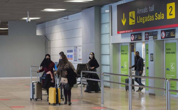 España fletara un ferry para rescatar a 3.000 turistas españoles atrapados en Marruecos