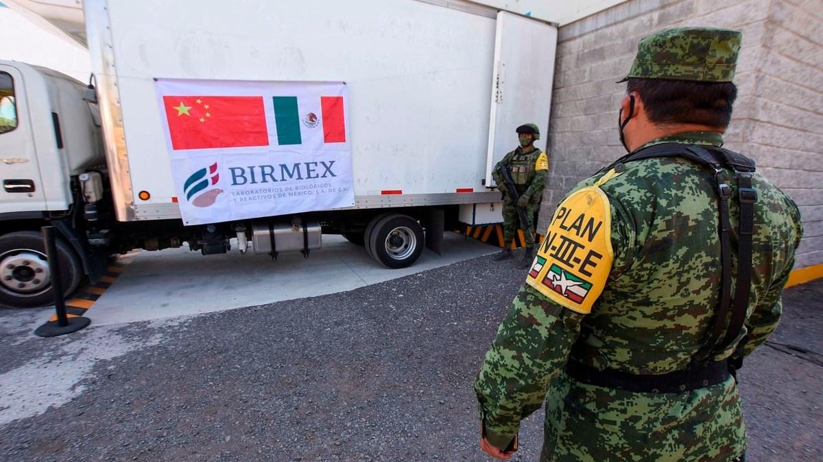Mexico distribuye casi un millon de vacunas de CanSino envasadas en el pais