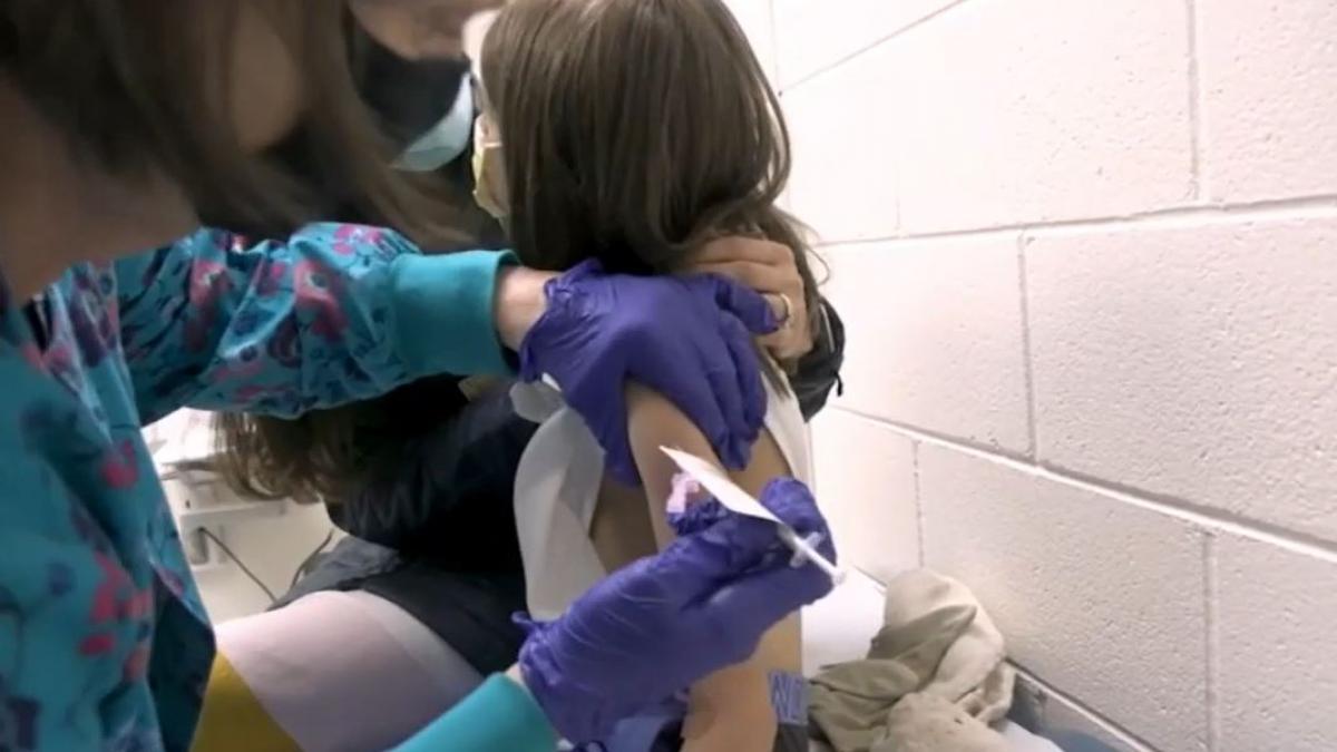 Seis farmaceuticas ya estan probando la vacuna del coronavirus en niños