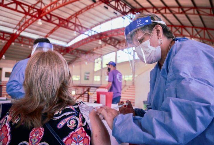 Aumenta el ritmo del plan de vacunacion: se aplicaron ayer 196.533 dosis y desde el lunes casi 750.000 en todo el pais