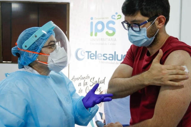 Manizales vacuno entre sabado y domingo mas personal de salud del que esperaba