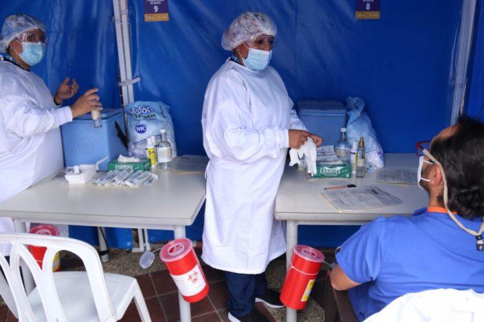 Cinco Secretarias de Salud a explicar supuestos errores en la vacunacion