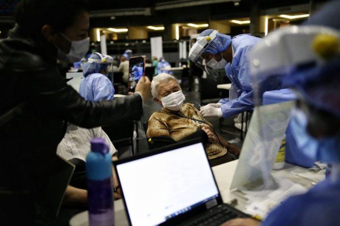 EPS re-programaran las citas aplazadas de vacunacion para segundas dosis