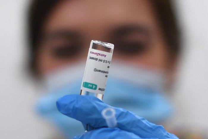 España suspende la vacuna con AstraZeneca en los menores de 60 años