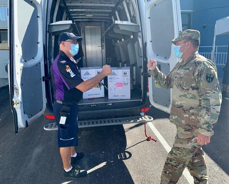 La Guardia Nacional no especifico en cual vuelo de Fedex llegaron las vacunas.