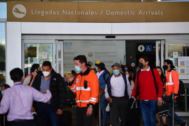 Actualizan medidas para vuelos nacionales e internacionales