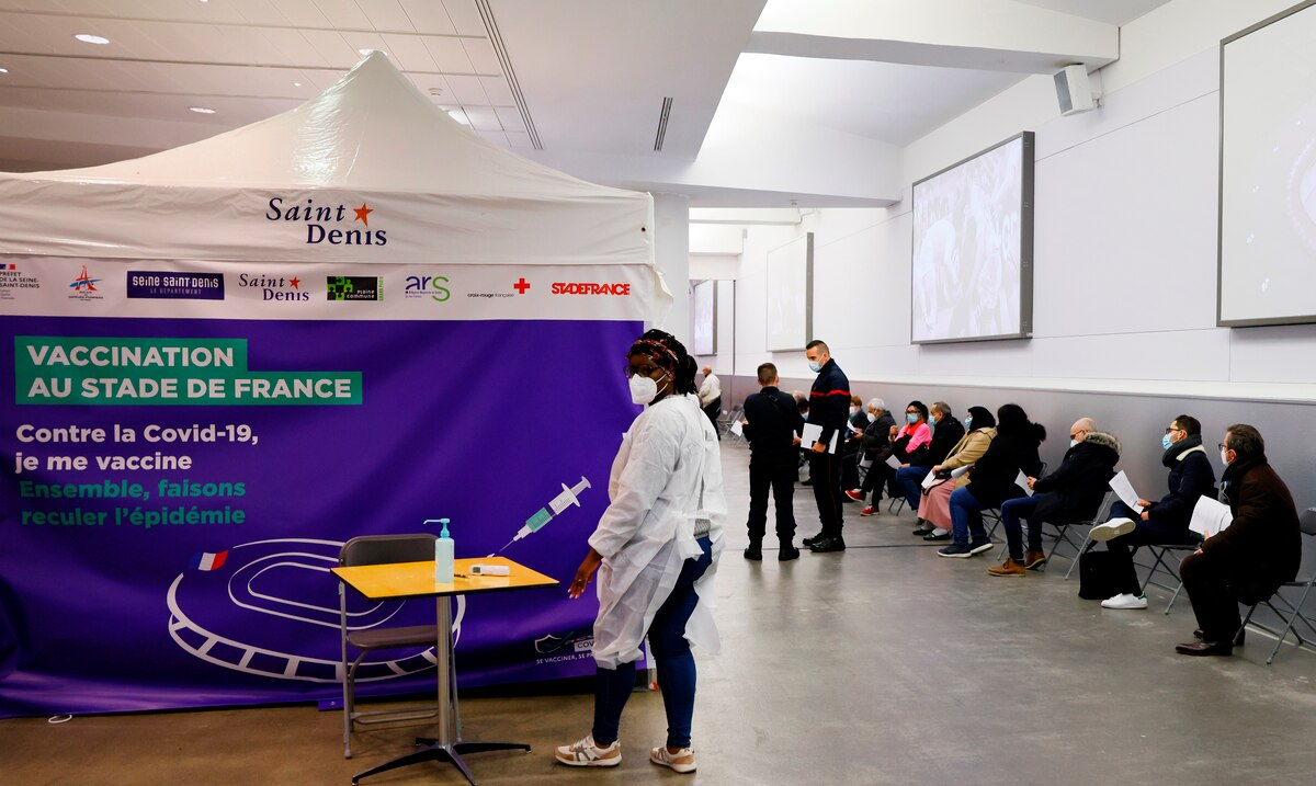 Los hospitales en Francia siguen con un alto nivel de ocupacion por contagios de COVID-19