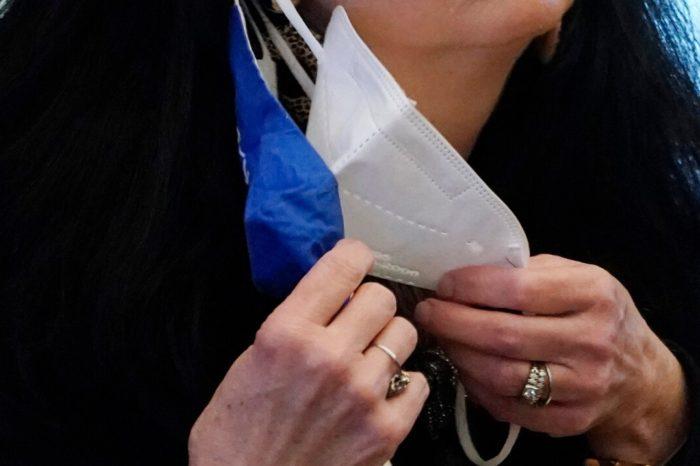 Mujer que tosio en la cara de otra fue condenada a 30 dias de carcel