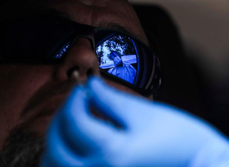 La primera prueba rapida para detectar el coronavirus se realizo el 28 de marzo de 2020 como parte de la primera orden de 1,500. El Departamento de Salud distribuyo gran parte de las pruebas sin la aprobacion de la FDA.