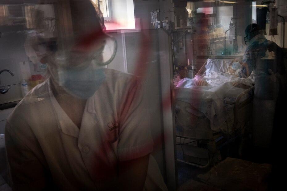Foto de archivo del 22 de abril de 2020 cuando en Europa habia crisis por la falta de espacio en las areas de intensivo por la cantidad de pacientes.