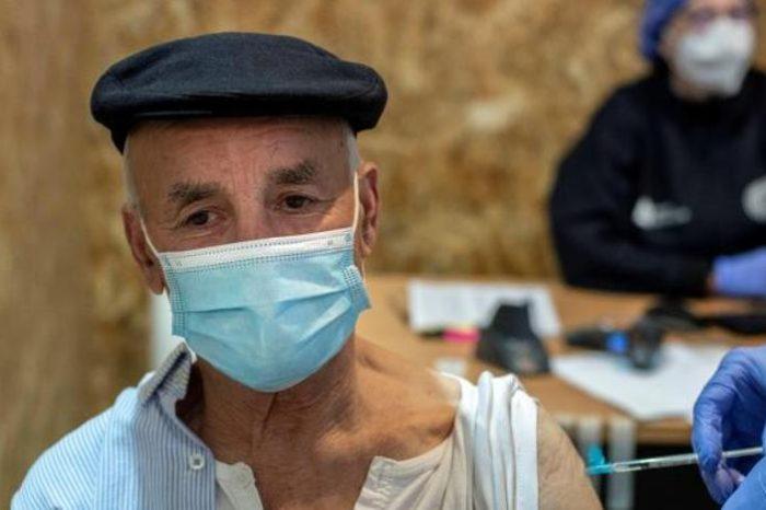 Sanidad amplia el uso de AstraZeneca entre 60 y 69 años
